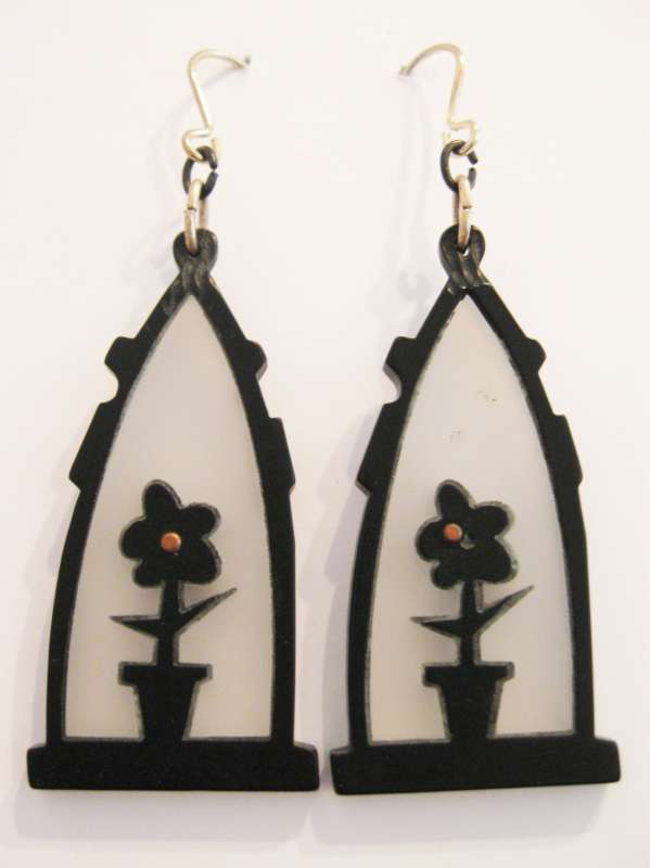Black flower pot drop earrings
