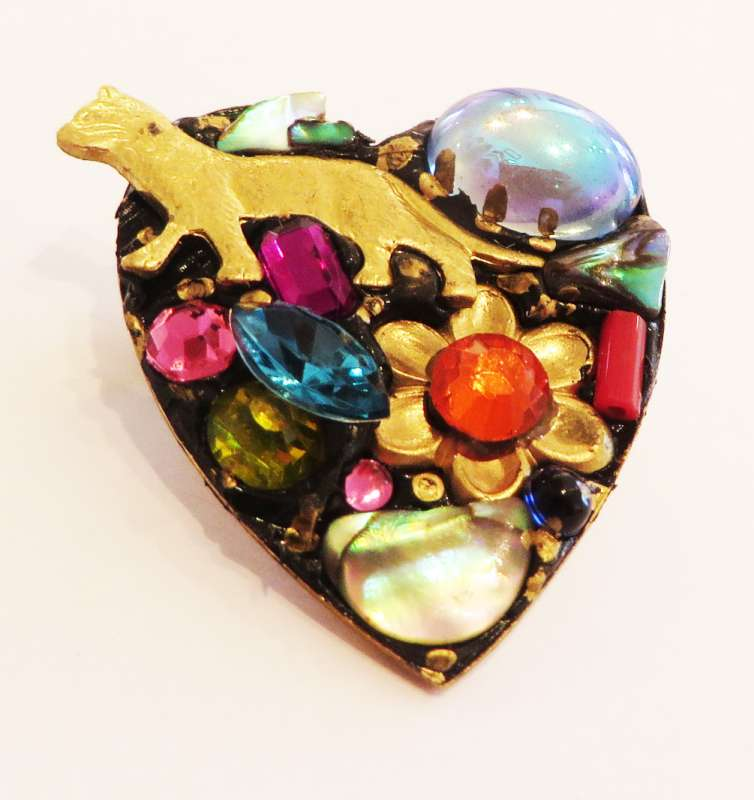 Heart with cat brooch