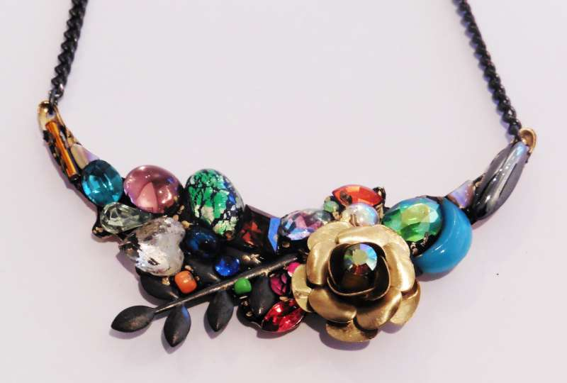 Medium bower necklace
