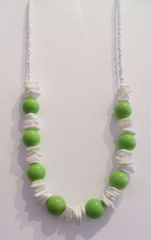 White and green necklace