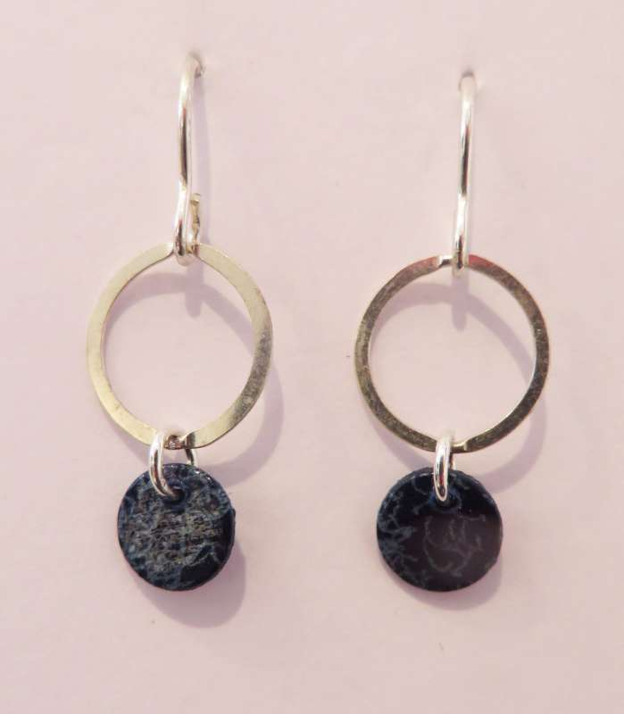 Round Droplet Earrings (dark blue)