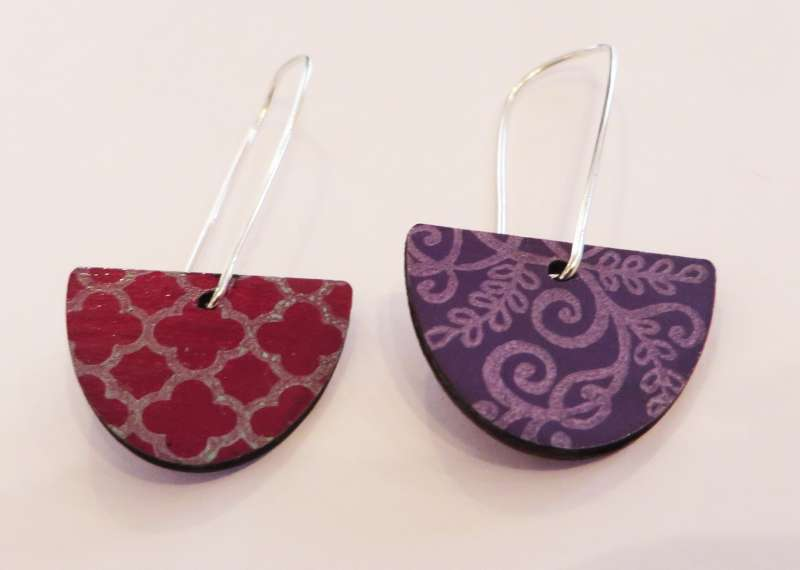 Reversible red and purple semi-circle earrings