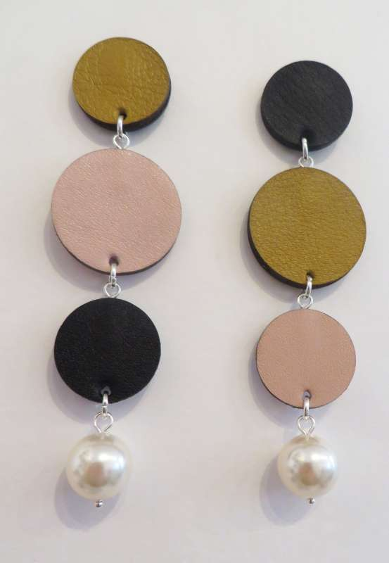 Fortune asymmetric dots and pearl earrings