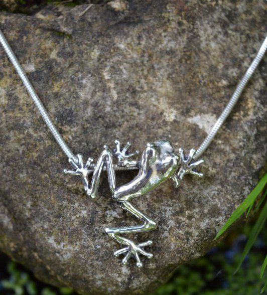 Long Legged Tree Frog Pendant - small