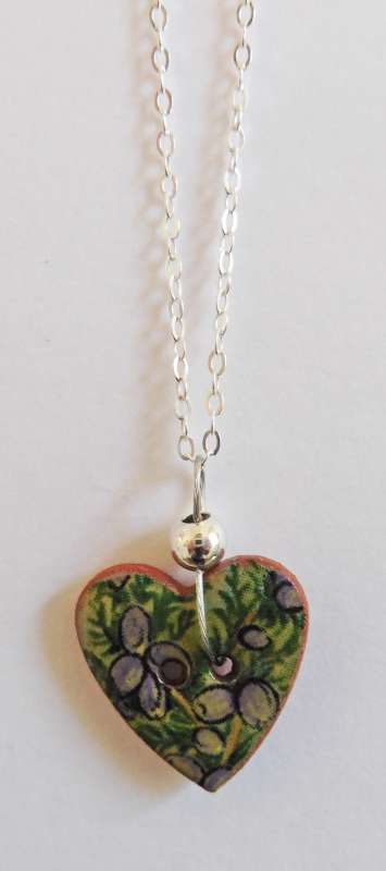 Green floral heart necklace