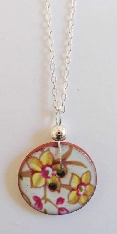 Yellow floral disc necklace