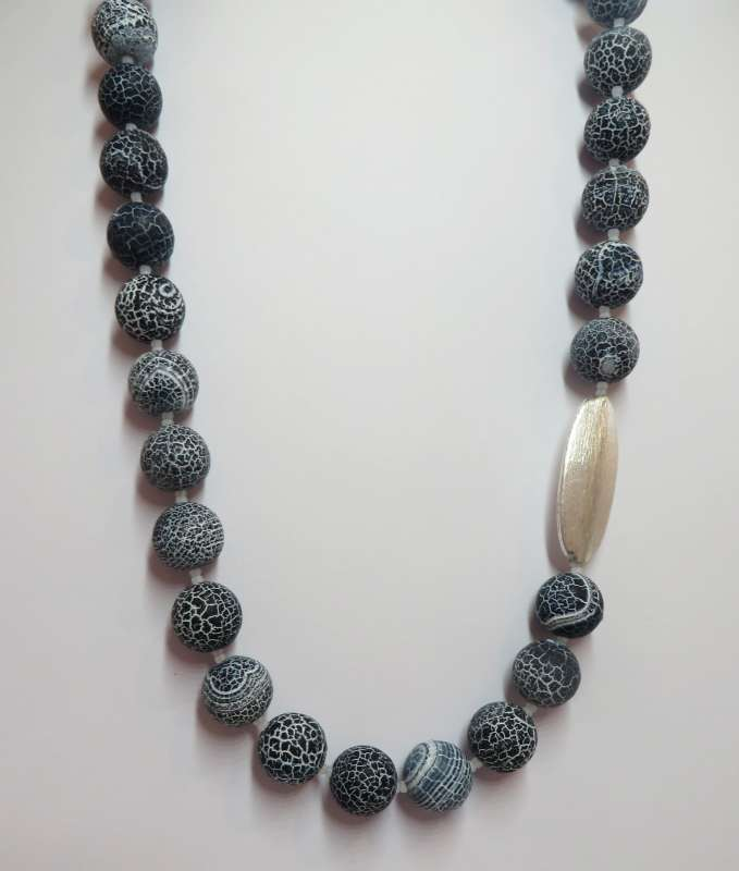 Navy crackle agate pod necklace