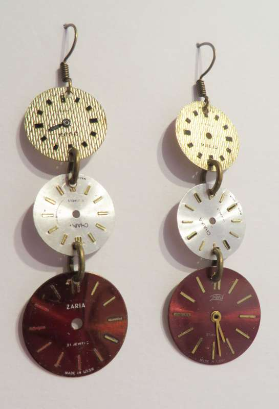 Watchface triple drop earrings - silver/white/red