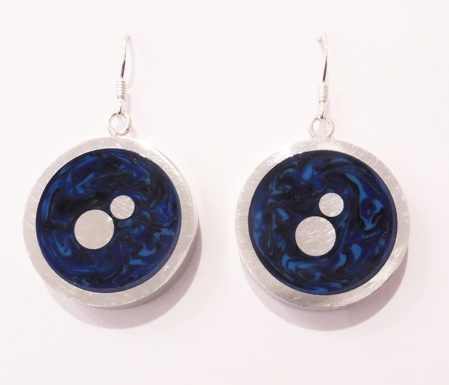 Round ocean earrings