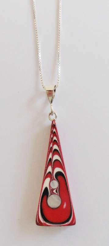 Triangular jazz pendant