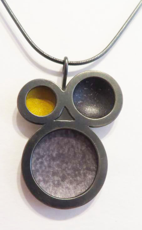 Oxidised silver triple circle yellow/grey necklace