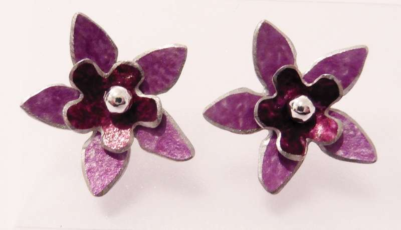 Mauve and berry double flower stud earrings