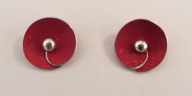 Red spiral disc stud earrings
