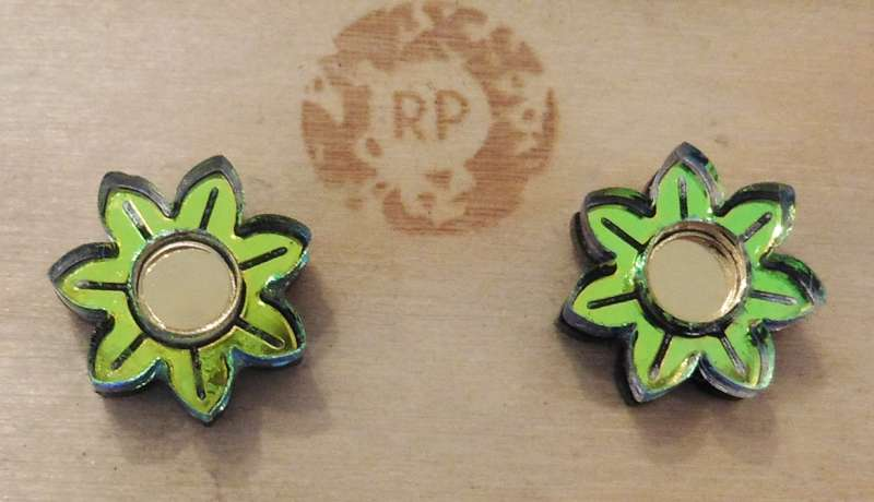 Pixie floral stud earrings - lime green