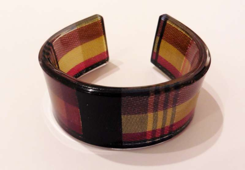 Check stripe cuff