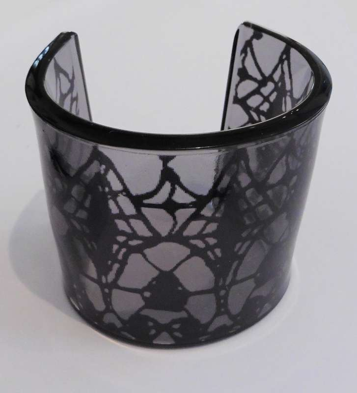 Gothic lace print cuff - black on grey