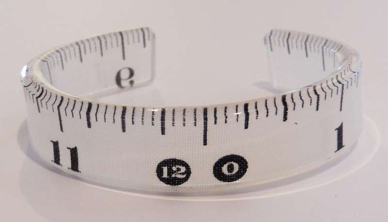 Tape measure single cuff - white